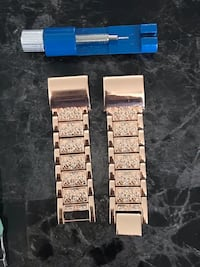 Fitbit charge 2 rose gold band Vaughan, L4J 0H9