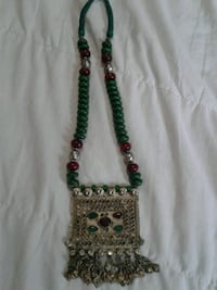 green and red beaded necklace Brampton, L6S 4A2
