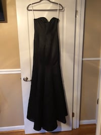 Gown size 6 Fort Washington, 20744