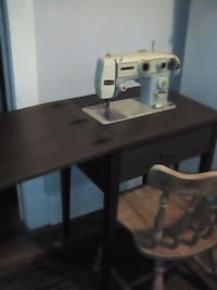 brown wooden desk with chair London, N5W 4B5