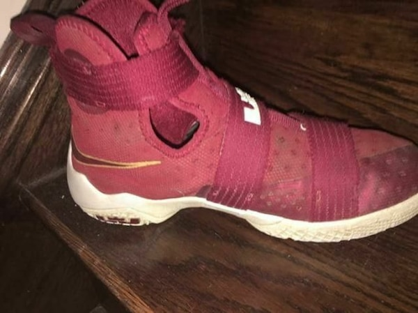 d5bbbc0da0f Used Lebron soldiers size 6 for sale in Mississauga - letgo