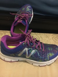 Like new  NB Women's running shoes Milner