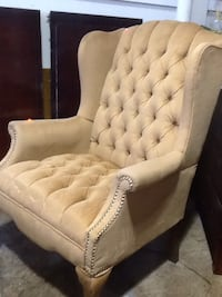 white tufted fabric sofa chair Rockville, 20850