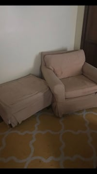 Oversized chair and ottoman Clayton, 27520