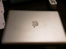 Macbook pro 2013 kept in good condition needs a new battery