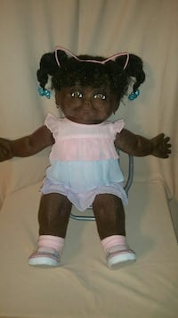 black haired female doll Claxton, 30417