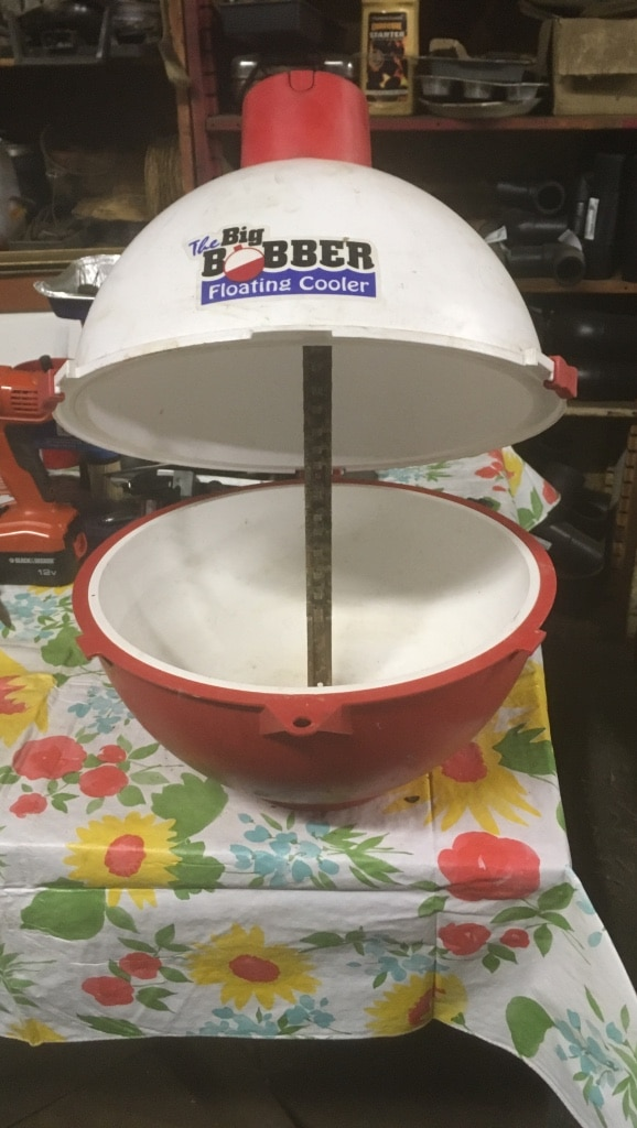 Photo White and red the big bobber floating cooler....