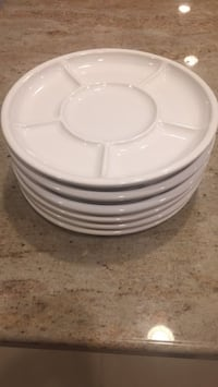 White plates, 6, new, never used Vienna, 22180