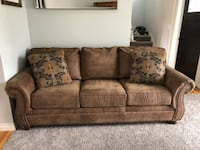 Micro suede couch  Monroe, 98272