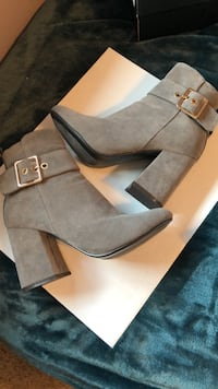 Heeled Boots size 5.5 Lincoln, 68505