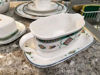 white and green ceramic dinnerware set Los Angeles, 91335
