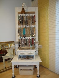 Jewelry Display Plymouth, 55441