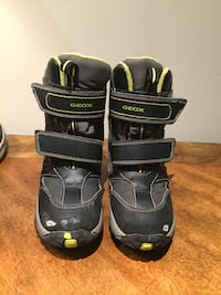 pair of black-and-gray hiking shoes Vaughan, L4H 0Y9