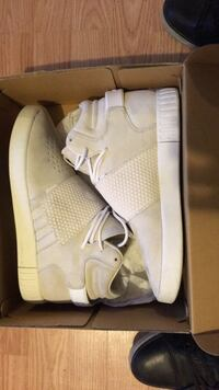 pair of gray Adidas Yeezy Boost 750 with box