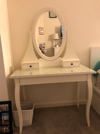 IKEA Hemnes Vanity Table Arlington, 22206