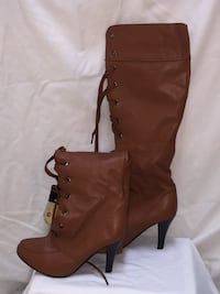 Carmel knee hi lace up boots Coquitlam, V3J 1T4