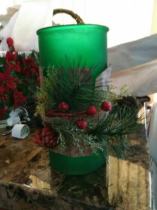 Christmas decor candle holder/vase
