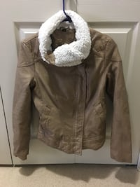 Leather jacket guess New Westminster, V3M 1M4