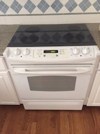 """GE Self Cleaning, Radiant, Electric, Slide-In Range """"LIKE NEW"""" null"""