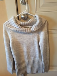 gray and white scoop neck sweater Kemah, 77565
