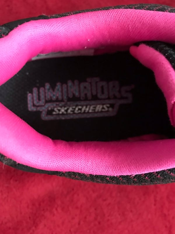 Skechers Luminators size 5 024a9e2a-1b90-4243-b7be-eeea22d088f1