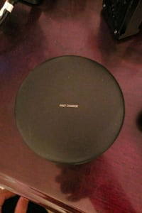 Samsung Convertible Wireless Charger    Markham, L3P 4R1