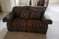 Love seat couch New Bern, 28560