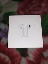 Apple AirPods Series 1 Victoria, V8X 1L5