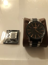 Two Tone Nixon Sentry SS with extra links. 3750 km