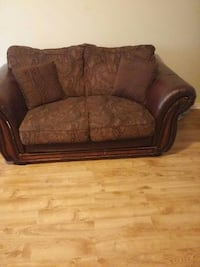 brown leather loveseat Mississauga, L5V 2V3