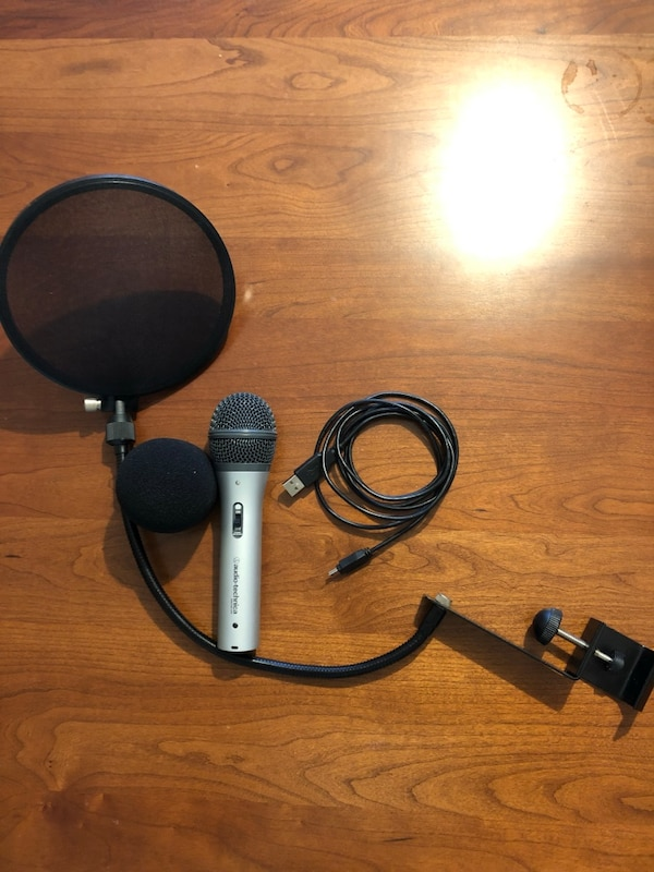Audio Technica ATR2100 USB/XLR Dynamic Microphone with pop-filter and windscreen