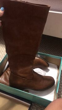 Tall brown boots Thomasville, 27360