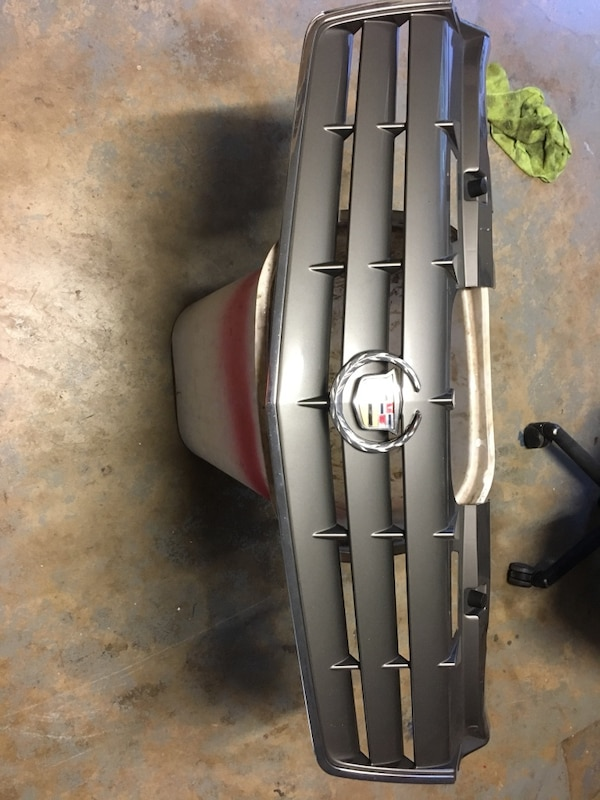 2004 Cadillac srx grille