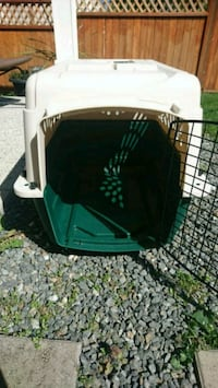 Small to Medium Dog Crate Victoria, V8T 4H5