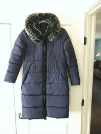 Navy blue color women winter jacket size small Saskatoon, S7R 0K9