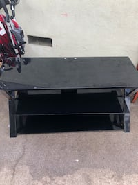 Tv stand  Los Angeles, 90022