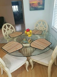 Round dining room table & chairs Fort Lauderdale, 33308