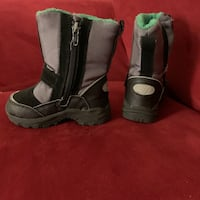 Winter boots for kids toddler  Calgary, T2A 6W5