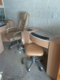 Manicure tables and chairs  Queens, 11358
