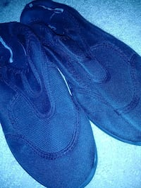 Black men's swim shoes  Washington, 20011