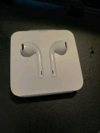 BRAND NEW NEVER USED iPhone headphones (lightning cable)
