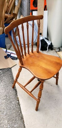 Dining room chairs . Set of 5. Need gone