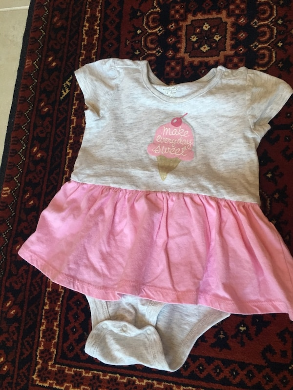 Baby outfits $2 each (12 months)