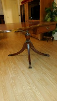 Antique Walnut DropLeaf Table Burlington, 98233