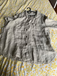 gray button-up long sleeve shirt Montréal, H2H 1J9