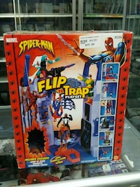 toy biz spiderman flip n trap playset Toronto, M4C 1M1