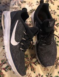 Pair of black nike running shoes size 11.5 Roanoke, 24012