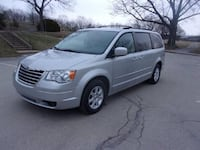 Chrysler - Town and Country - 2010 Whitehall