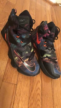 pair of black-and-red Nike basketball shoes Stafford, 22554