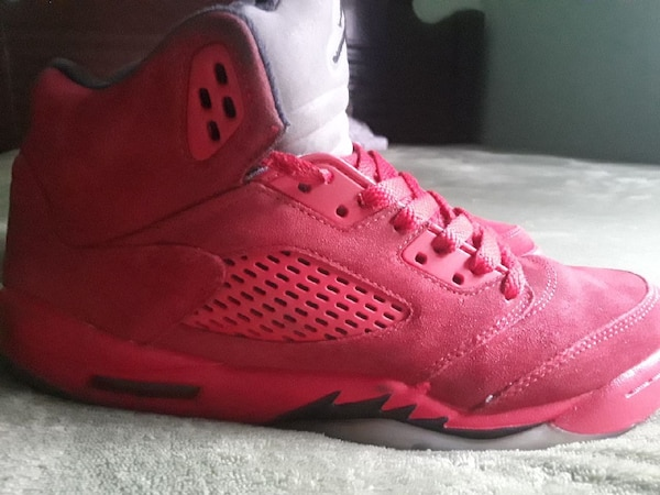 4b6a8f1695c18 Used unpaired red Air Jordan 5 for sale in Reno - letgo